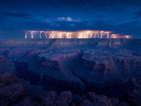 From Spectacular Nature in the World