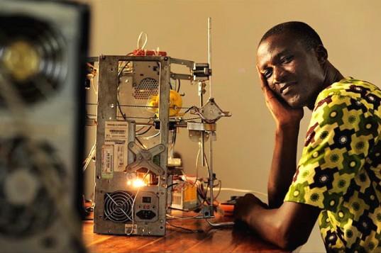 3d-printer-e-waste-Inventor-and-printer-537x357