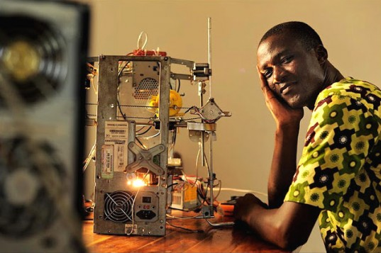 3d-printer-e-waste-Inventor-and-printer-537x357